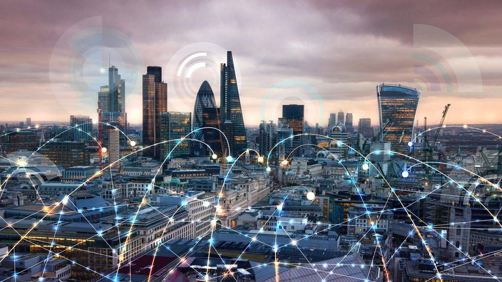 Paisaje de Londres con conexiones wi-fi.