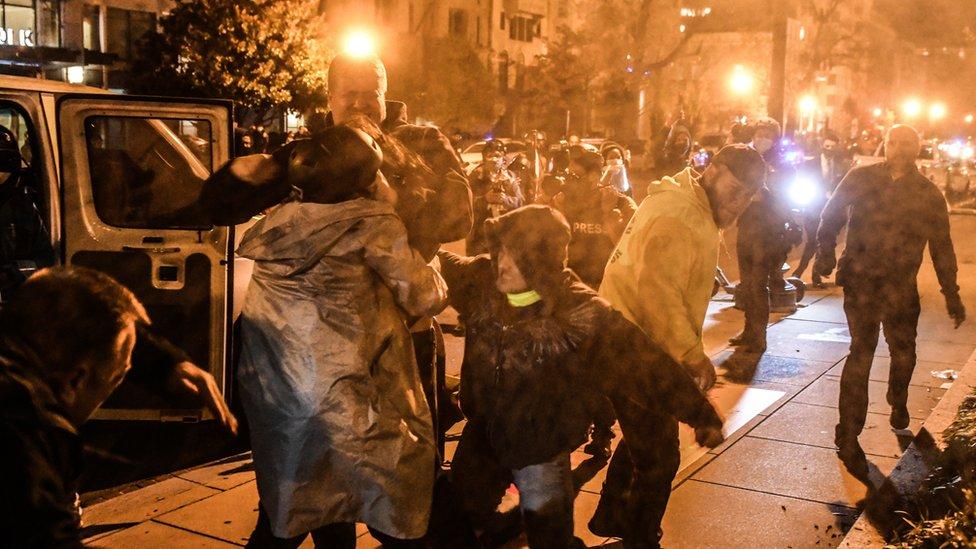 مصادمات بين مؤيدي ومعارضي ترامب في شوارع واشنطن