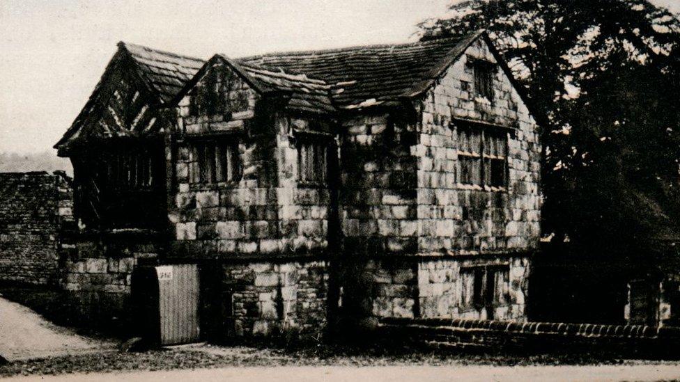 Kirklees Priory Gatehouse