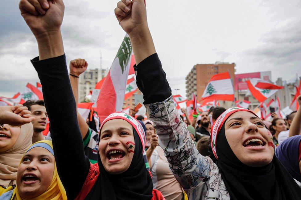 Anti-government protesters at al-Nour Square in Tripoli, Lebanon (23 October 2019)