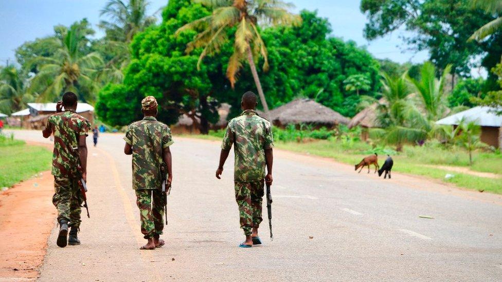 В Мозамбике джихадисты захватили крупный порт. При чем тут