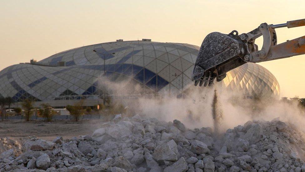 Qatar ya ha invertido miles de millones hacia la organización de la Copa Mundial 2022.