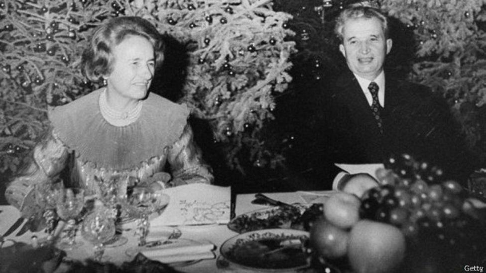 Ceausescu y su esposa Elana
