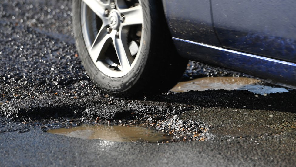 Pothole-related breakdowns 'at three-year high'