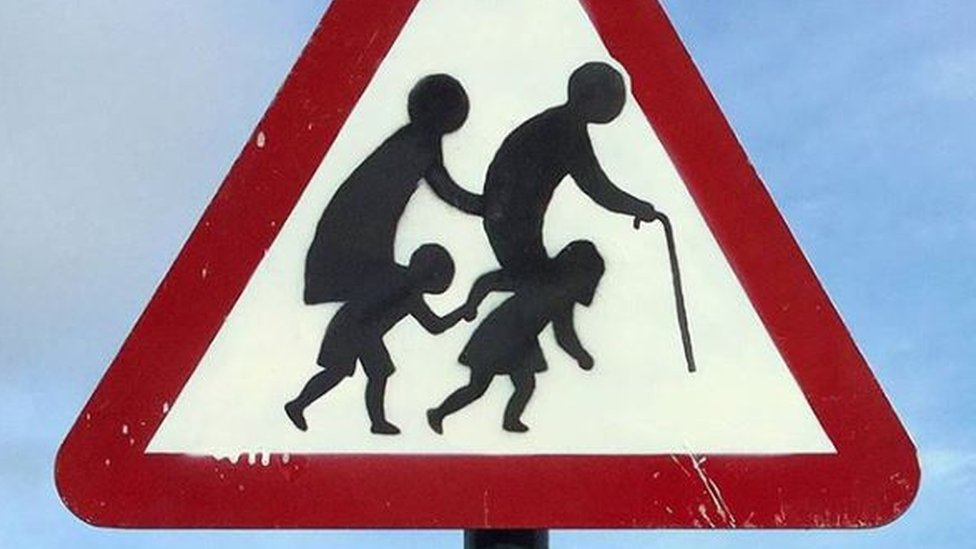 'Banksy' road sign appears on Clevedon lamppost
