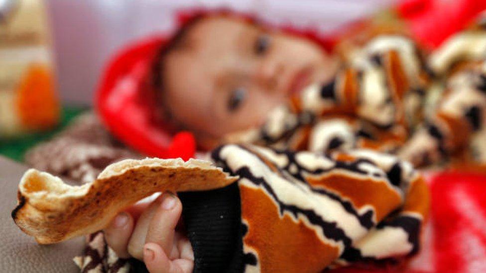 Коронавирус: миллионам грозит голод, в Австралии снова карантин