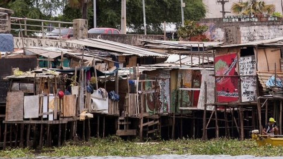 The shanty town of Beco do Sururu, located close to Boa Viagem, the richest neighborhood of city of Recife, a Brazilian city with a high number of Zika virus cases (22 January 2016)