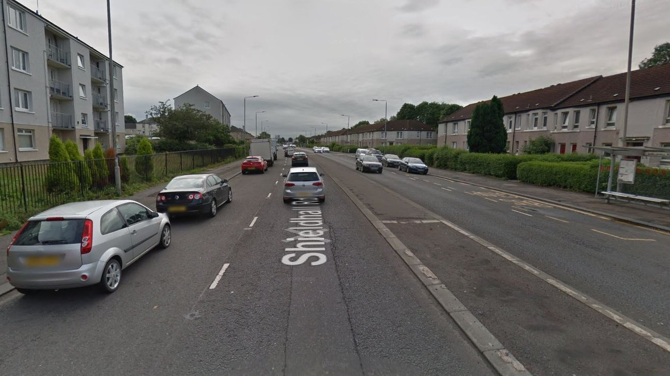 Bomb squad carries out controlled explosion in Glasgow street