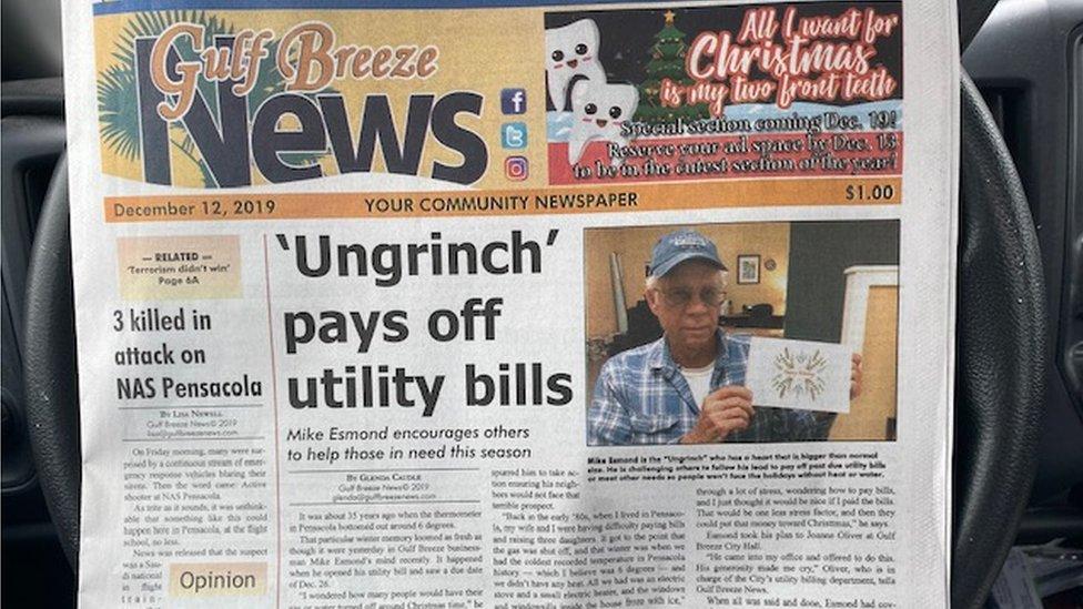 Un artículo de portada en un diario local que describe la generosidad de Michael Esmond