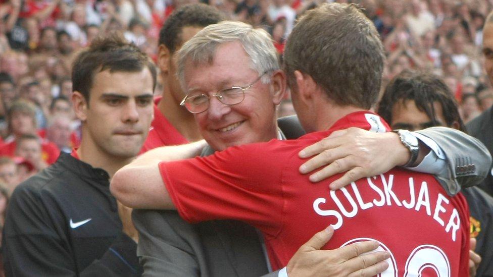 Alex Ferguson junto a Ole Gunnar Solskjaer.