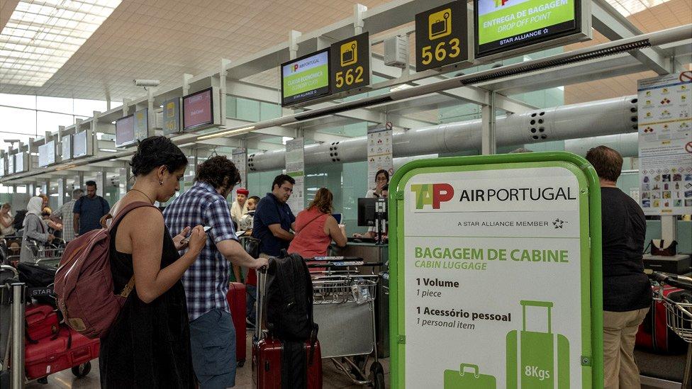 Check-in at Barcelona El Prat airport, 9 Sep 18