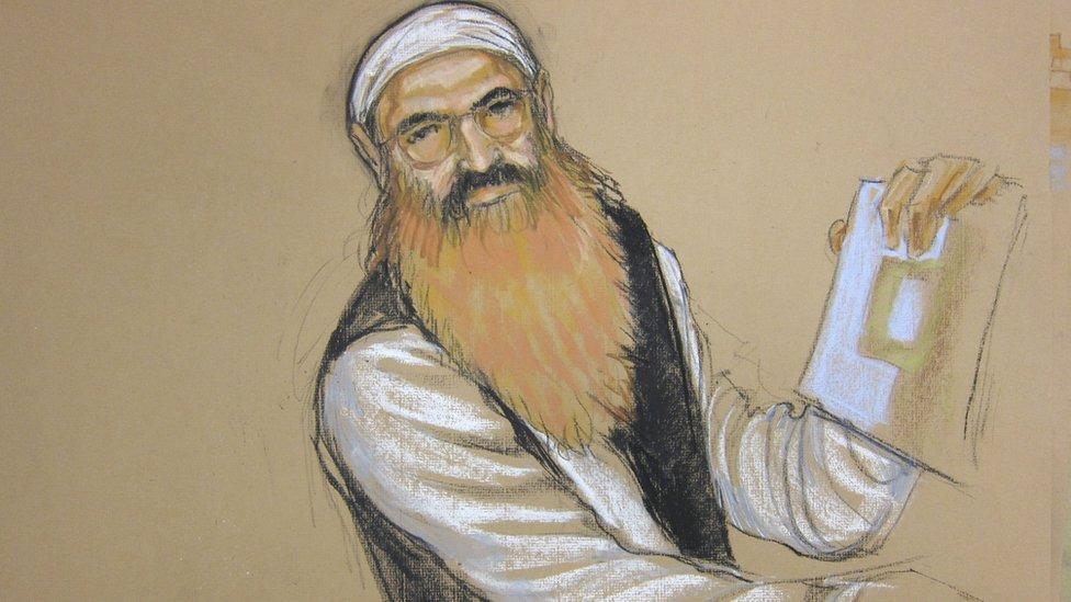 Boceto de Jalid Sheij Mohammed en la corte.
