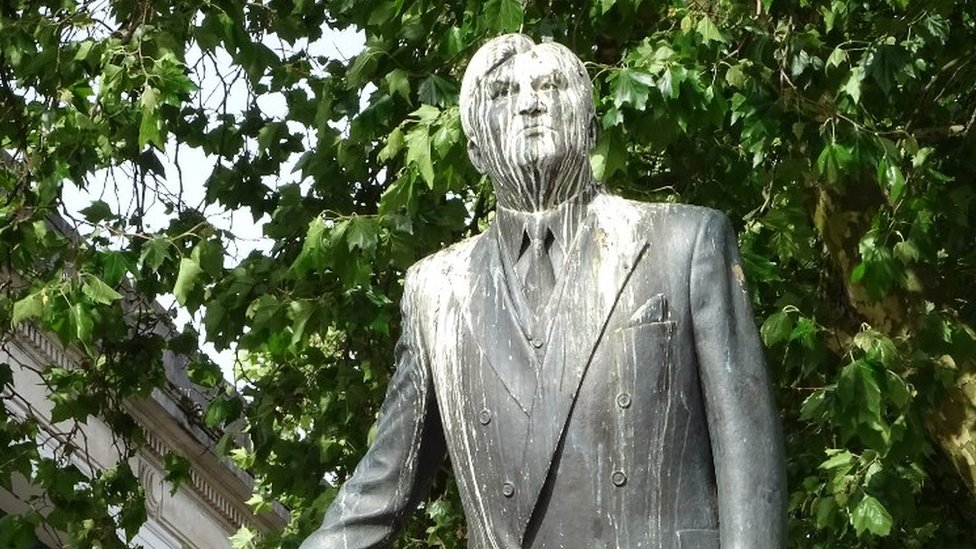 Aneurin Bevan statue in Cardiff