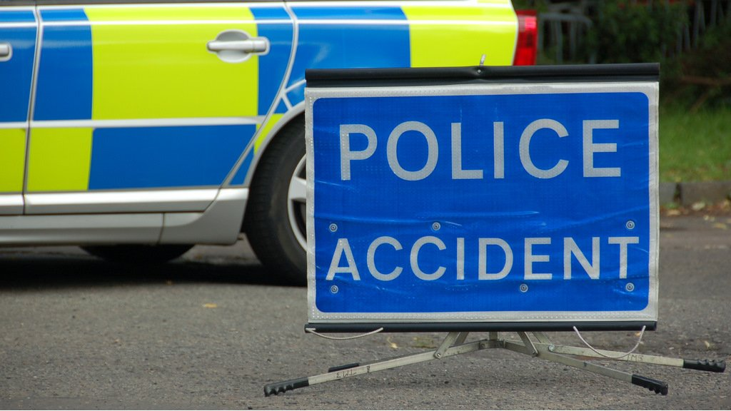 One man killed in early-morning motorway crash