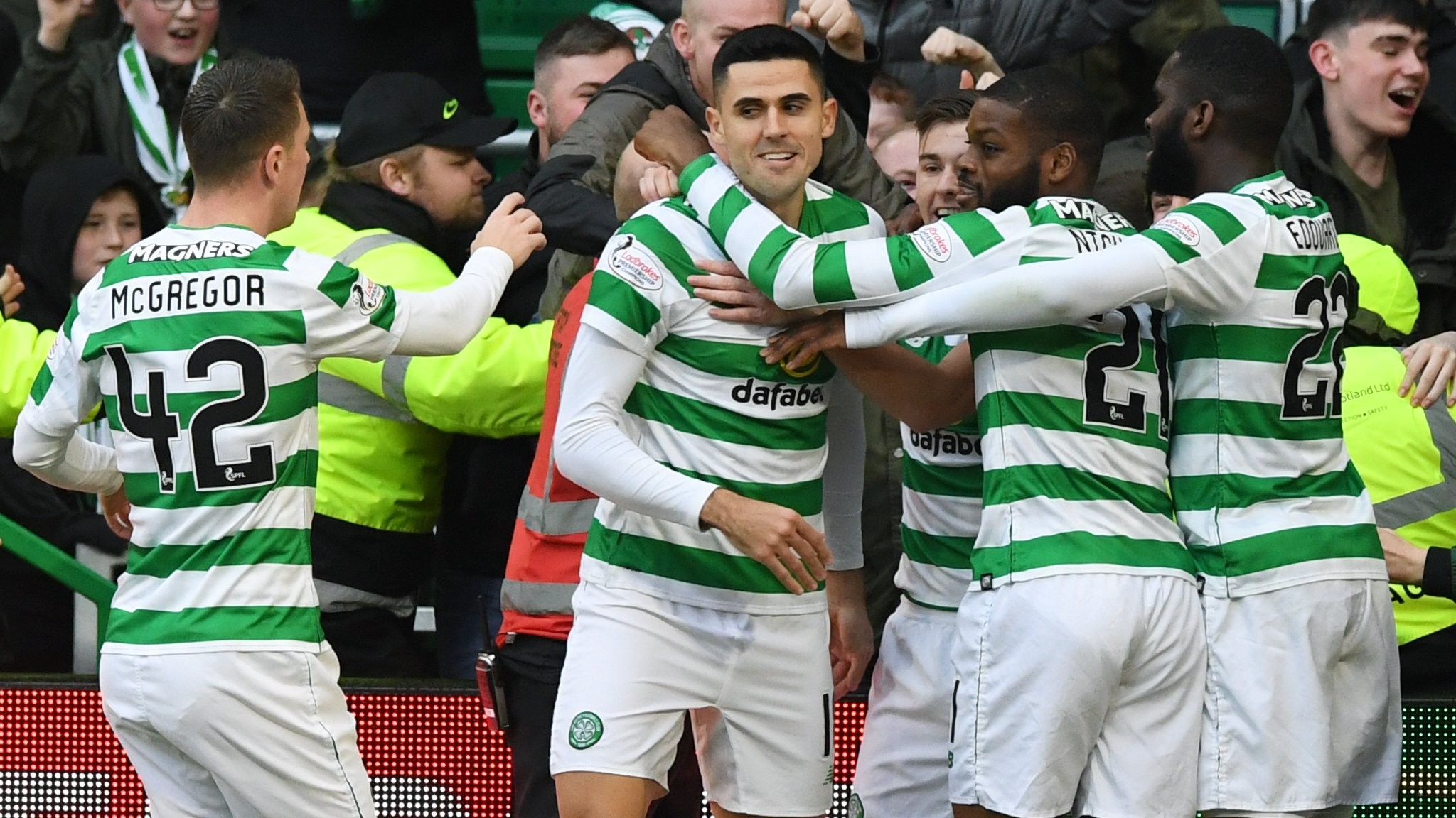 Celtic survive late scare in six-goal thriller against Hibs