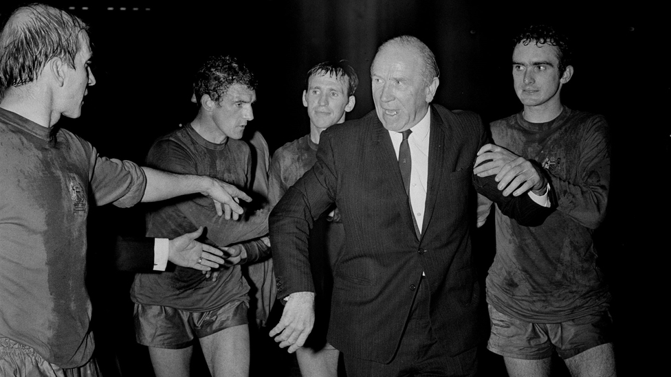 (L-R) Bobby Charlton, Bill Foulkes, Paddy Crerand, Matt Busby and John Aston after United's historic '68 European Cup Final win