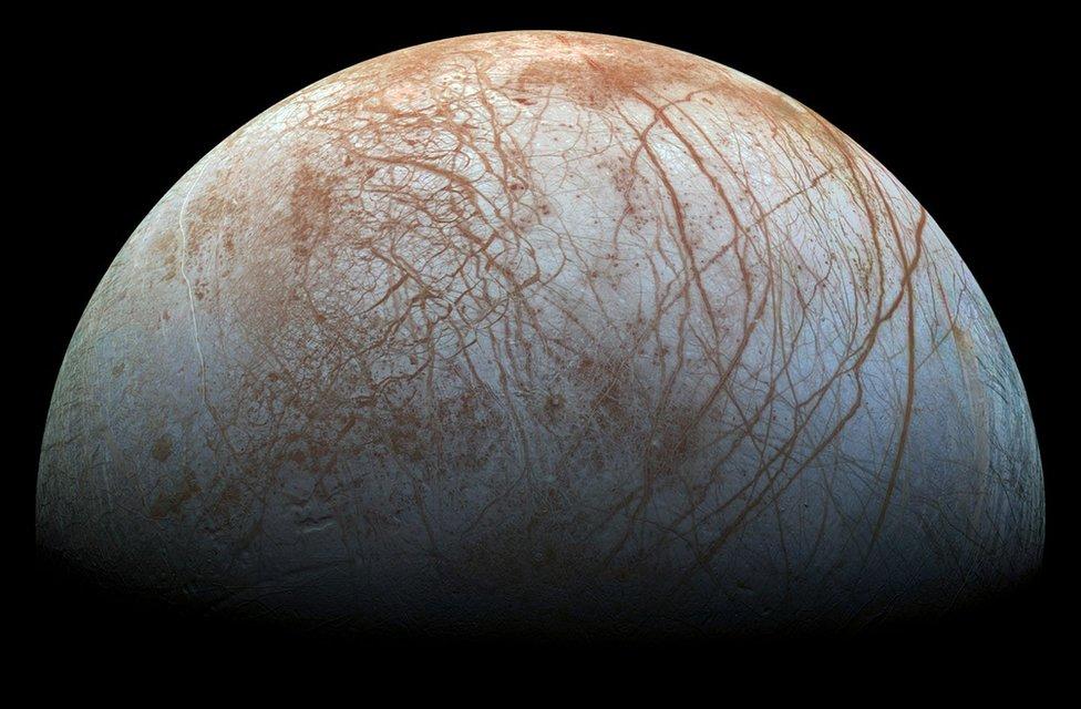 Imagen de Europa tomada por la sonda Galileo en los años 90.