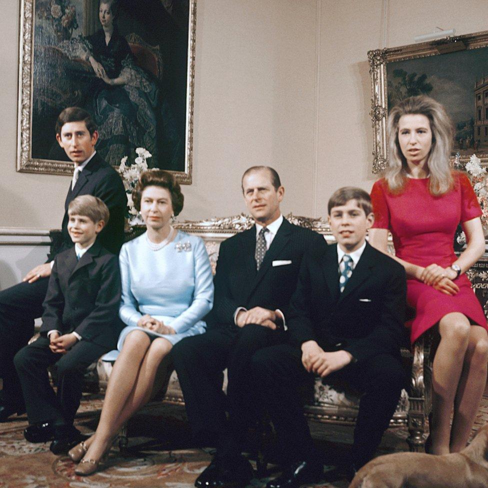 Kraljevska porodica u Bakingemskoj palati