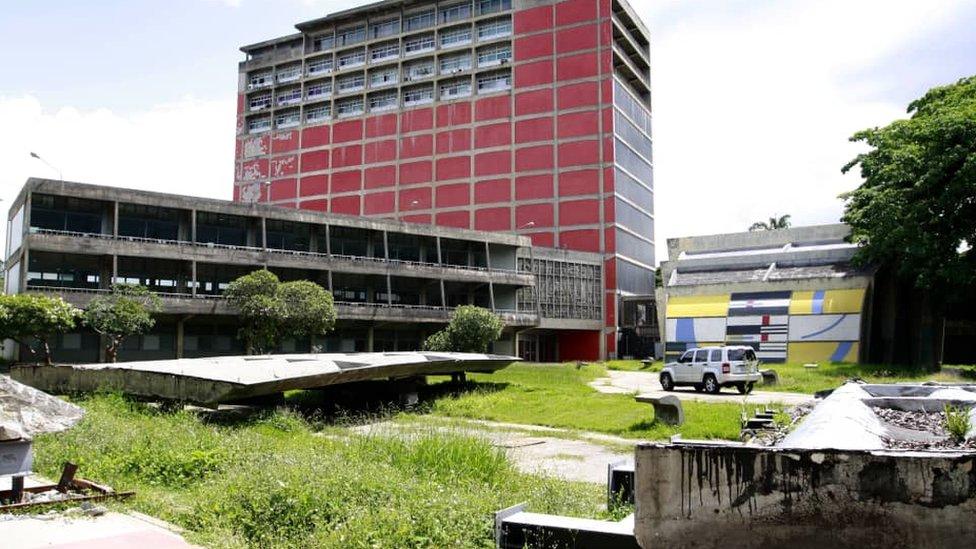 Biblioteca Central.