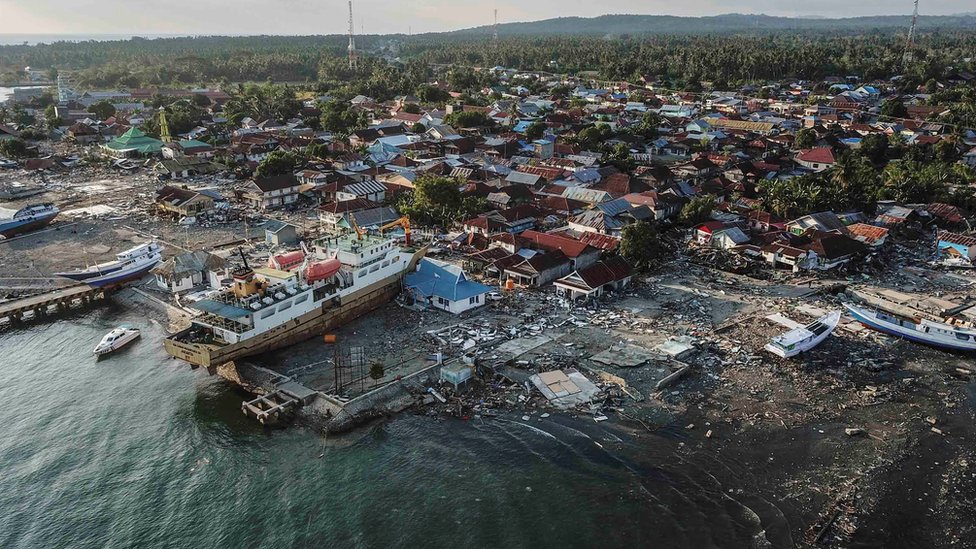 A ship is seen stranded on the shore after an earthquake and tsunami hit the area in Wani, Donggala, Indonesia. Photo: 1 October 2018