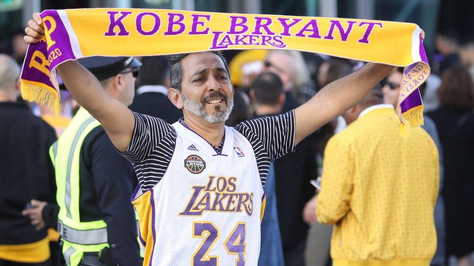 Alrededor de 20.000 personas obtuvieron entradas para asistir al evento de conmemoración en honor a Kobe Bryant en el Staples Center de Los Ángeles.