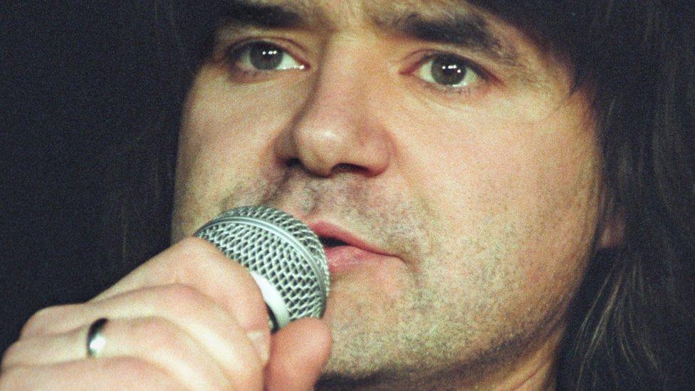 Умер певец Евгений Осин. Ему было 54 года