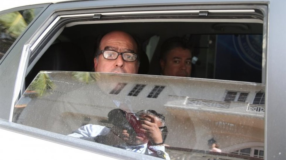 Julio Borges, lawmaker of the Venezuelan coalition of opposition parties (MUD), and members of Venezuela's opposition leave after a meeting in Santo Domingo, Dominican Republic February 7, 2018.