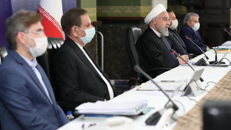 Funcionarios del gobierno iraní, incluido el presidente Hassan Rouhani.