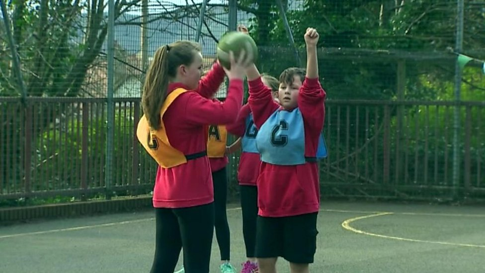 Should boys be allowed to play netball with girls?