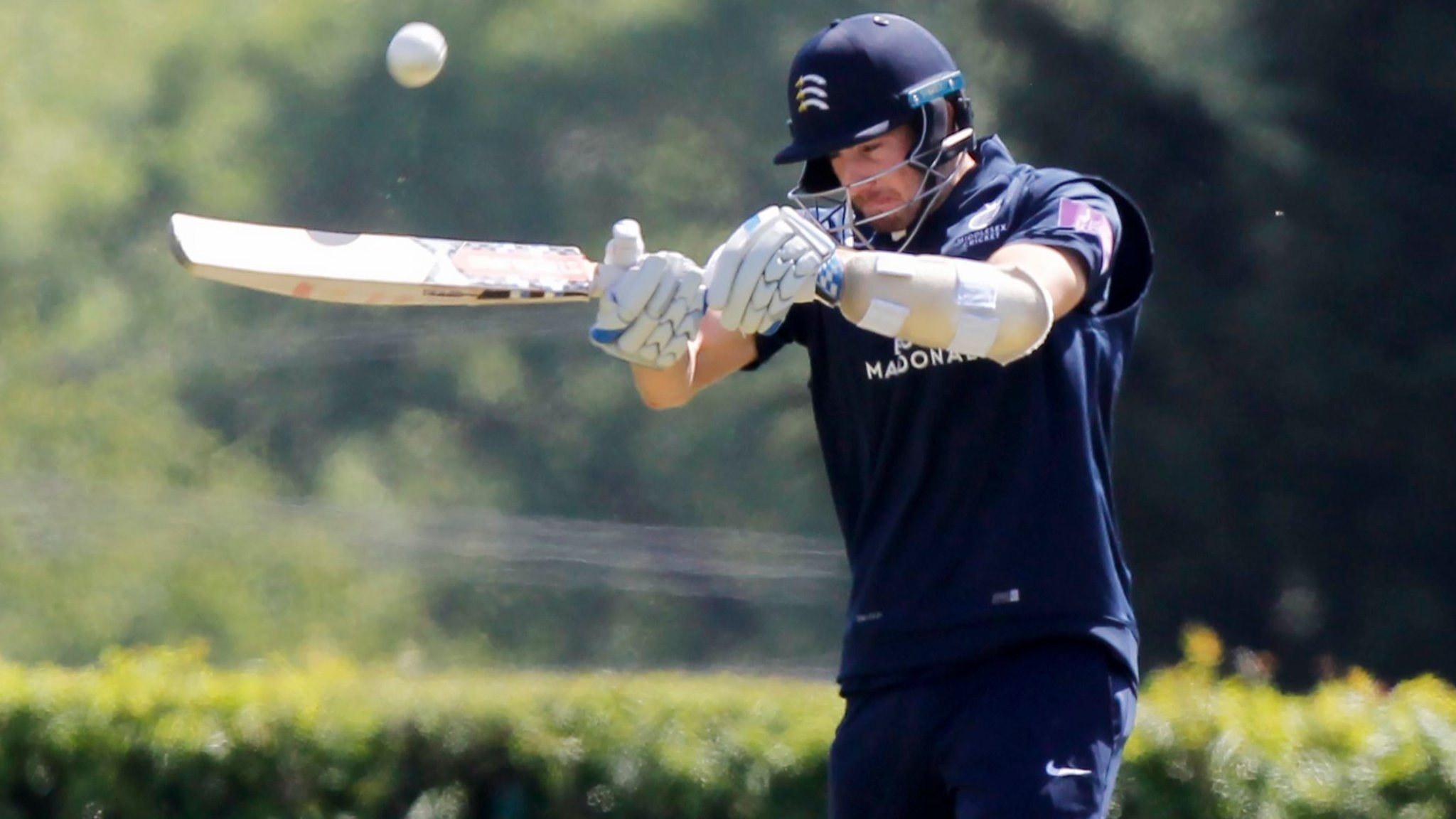 One-Day Cup: Eskinazi & Gubbins set up Middlesex win over Gloucestershire