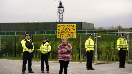 Experts call for review of quake limits on UK fracking