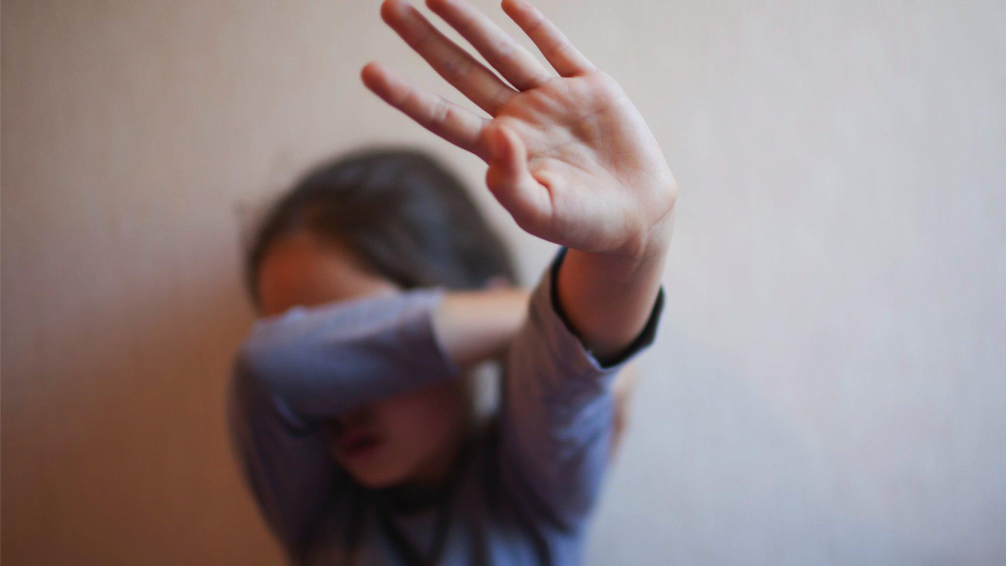 قضية اغتصاب طفلة في المغرب تعيد الجدل حول صرامة القوانين