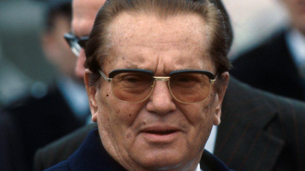 """Određeni pojedinici skloni teorijama zavere veruju da Tito uopšte nije sahranjen u """"Kući cveća"""""""