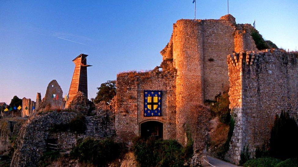 El 'Chateau de Barbe-bleue' (castillo de Barba Azul) en Tiffauges construido en el siglo XI, donde dicen que Gilles de Rais perpetró sus atrocidades.