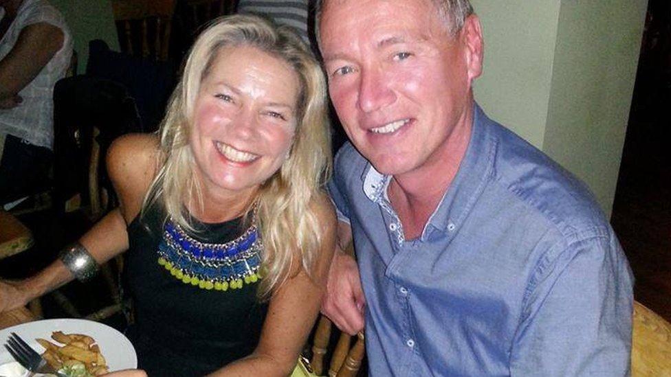 Julie y Kevin