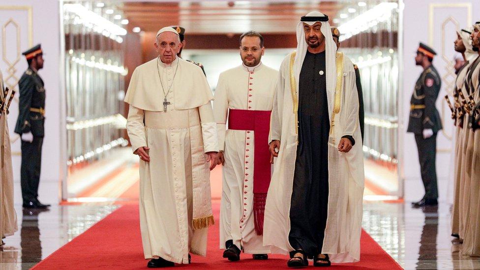 ولي عهد أبو ظبي، محمد بن زايد آل نهيان، يستقبل بابا الفاتيكان، البابا فرانسيس