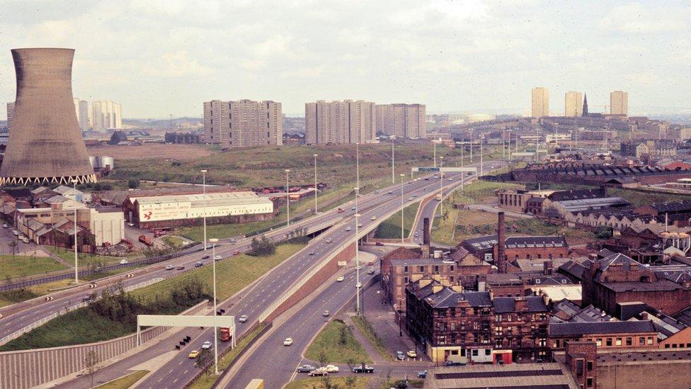 Unseen footage shows Glasgow's M8 motorway in 1970s
