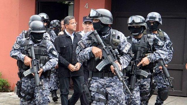 Mauricio Funes detenido