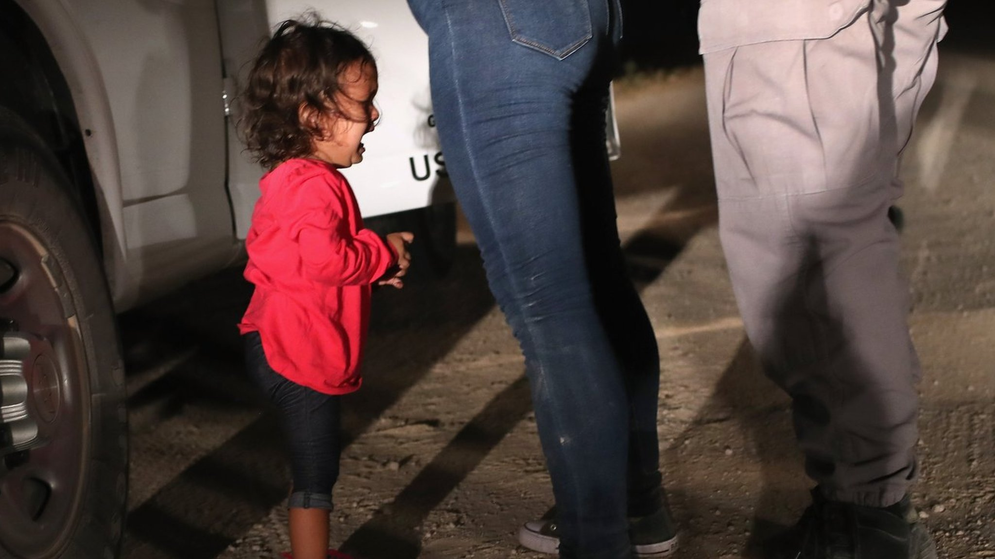 US child migrants: Melania calls for end to Trump's separation policy