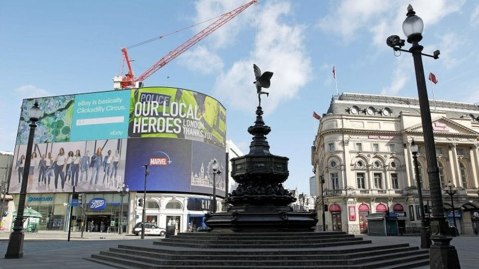 倫敦市中心最繁華熱鬧的皮卡迪裏廣場(Picardilly Circus)在疫情下變得冷清。這附近的辦公租金是歐洲最貴。
