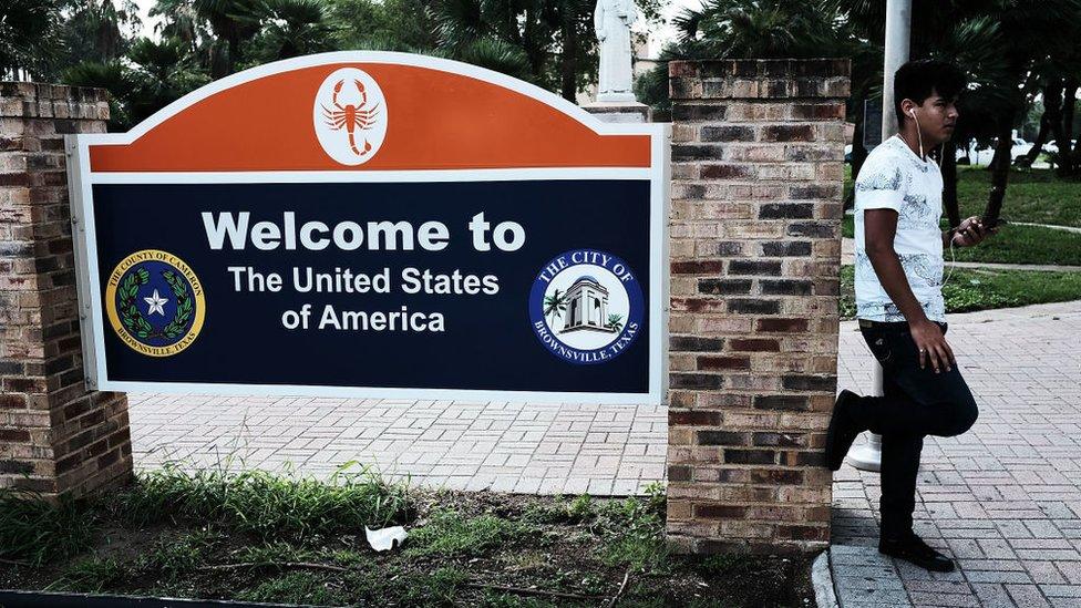 Letrero que da la bienvenida a Estados Unidos.