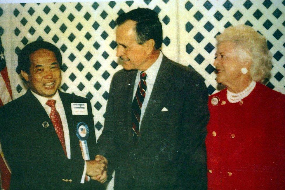Ted, George H.W. Bush y Barbara Bush