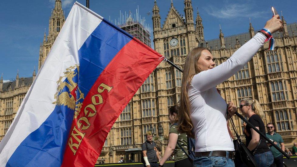 Дайджест: Британия введет санкции против России, часть Испании вновь закрыта