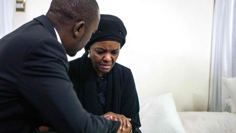 Bekas ibu negara Zimbabwe, Grace Mugabe sedang berduka di kediaman Mugabe di Harare.