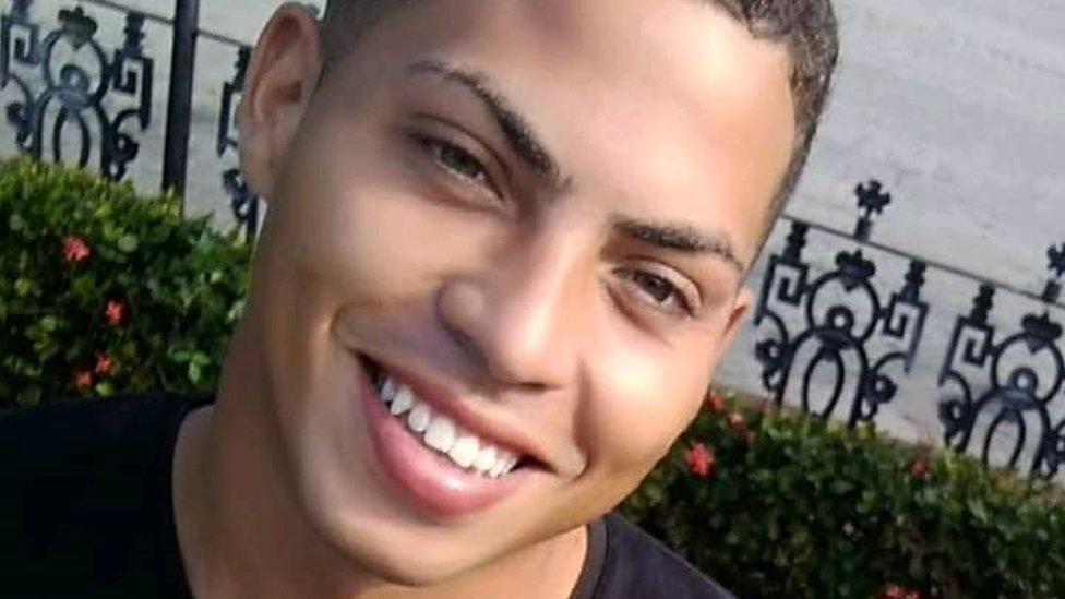 Dejron je jedan od mnogih Kubanaca koji su i dalje u pritvoru posle protesta