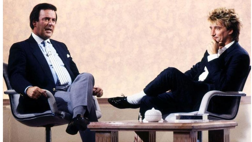 """Sir Terry Wogan with singer Rod Stewart on the chat show """"Wogan"""""""