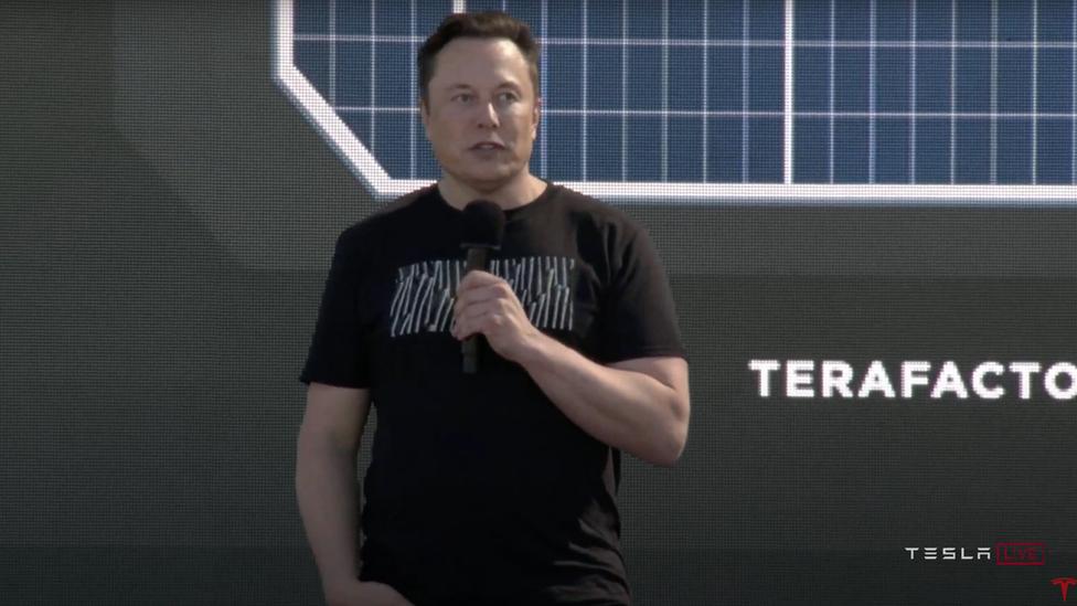 O CEO da Tesla, Elon Musk, anunciou uma tecnologia que, segundo ele, tornará as baterias da Tesla mais baratas.
