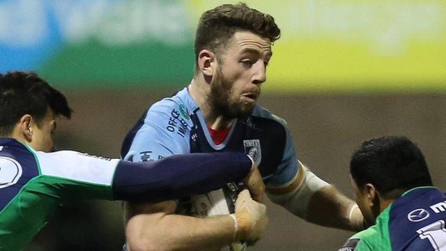 Alex Cuthbert takes on Connacht
