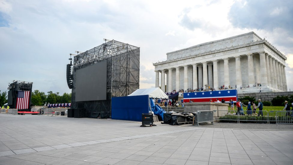 Set up continues for President Donald Trump's 4 July event at the Lincoln Memorial