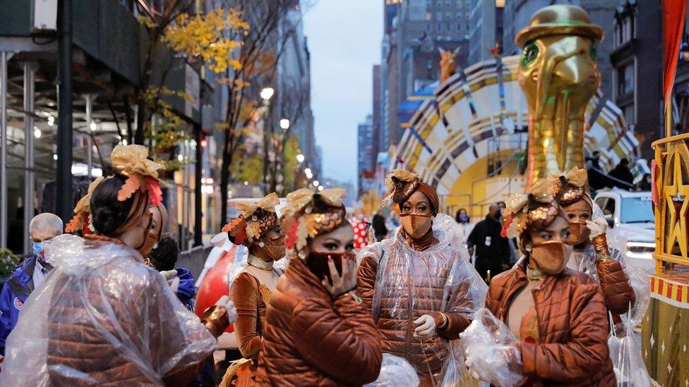 Thanksgiving: Millions celebrate in shadow of coronavirus thumbnail